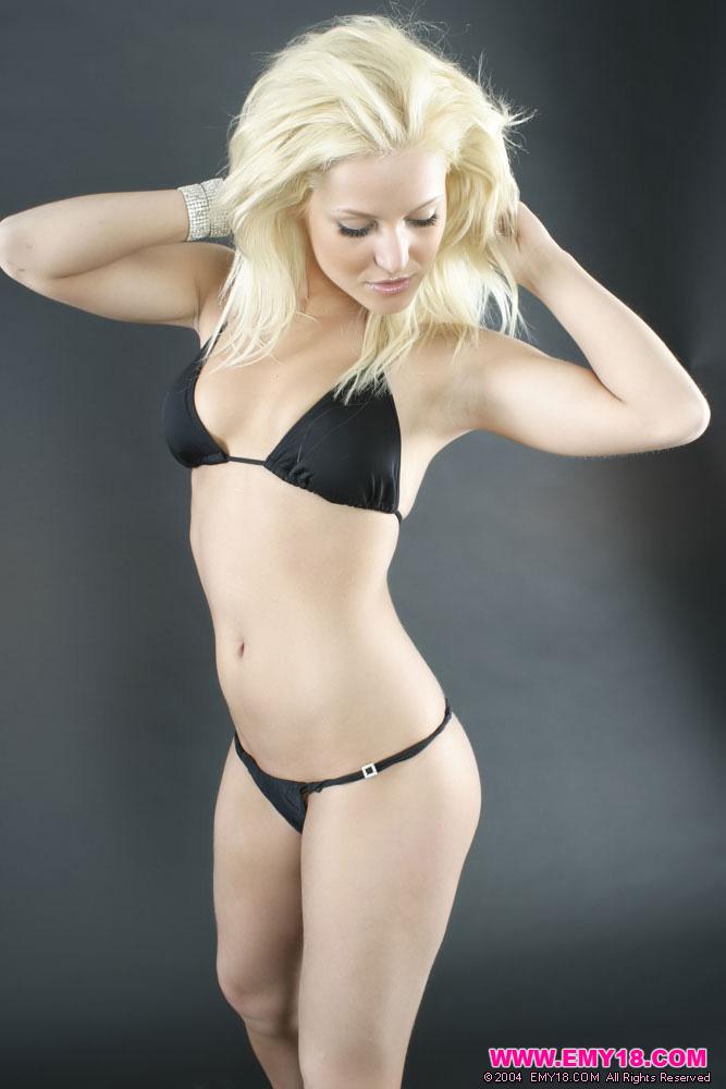 pretty blonde emy18